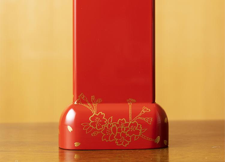 お位牌  曲(きょく) 千年桜(せんねんざくら)朱 特徴