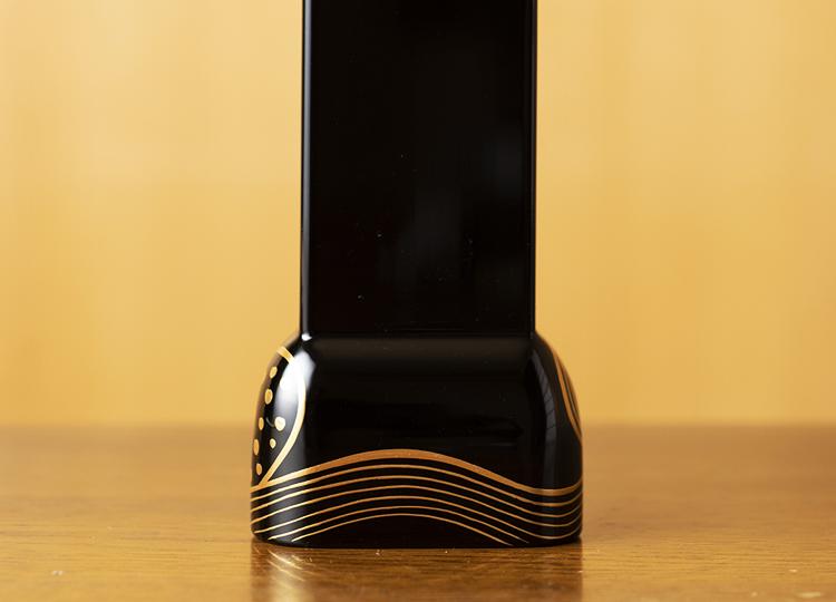 お位牌  曲(きょく) 波華(なみはな)黒 小型サイズ 特徴