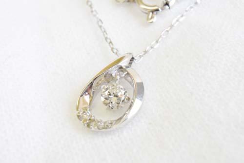 K10WG ダイヤモンドネックレス(しずく)