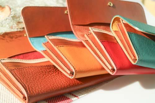 【LEONE】フラップ付き長財布