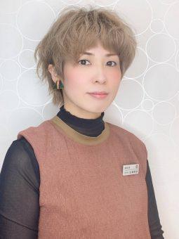 トップスタイリスト 左鴻 晴奈のイメージ画像