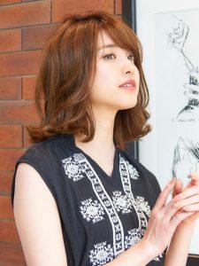 ミディアムのレングスのヘアカタログ・ヘアスタイル・髪型のイメージ・テイスト画像