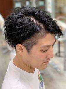 硬いの髪質・質感のヘアカタログ・ヘアスタイル・髪型のイメージ・テイスト画像