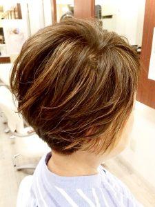 メッシュのカラーのヘアカタログ・ヘアスタイル・髪型のイメージ・テイスト画像