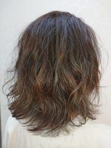 ブラウン・ベージュのカラーのヘアカタログ・ヘアスタイル・髪型のイメージ・テイスト画像