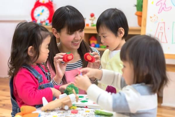 預かり保育とは?幼稚園が通常時間外に子どもたちを保育する制度