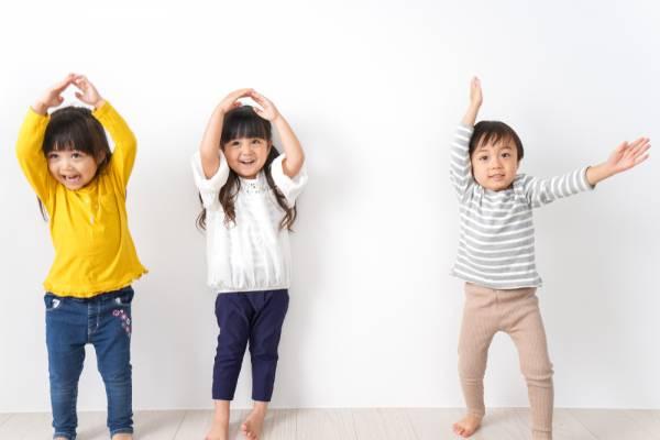 3歳・4歳・5歳児向け室内でできる集団遊び!身体を動かす運動やゲーム