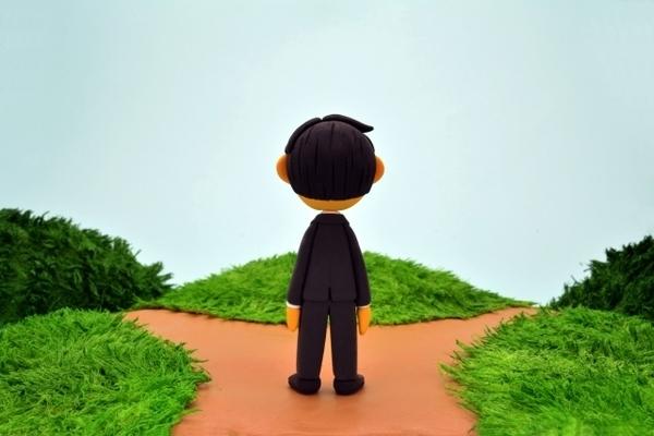 介護離職を避ける知恵 - 親と自分の人生を大切にするために 介護離職のリスクとは?(前編)