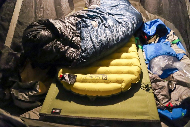 キャンプツーリングにおけるギア選びは試行錯誤の連続。またいきなり本番で使用するのはリスクが高いので一度自宅や近所の公園・河原等で組み立てと収納の練習をしてみることをおすすめします。photo:神楽坂つむり