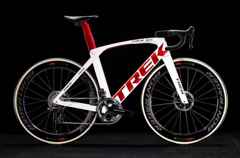 ツール・ド・フランスでも活躍するカーボンロードバイク『Madone SLR Disc (マドン)』