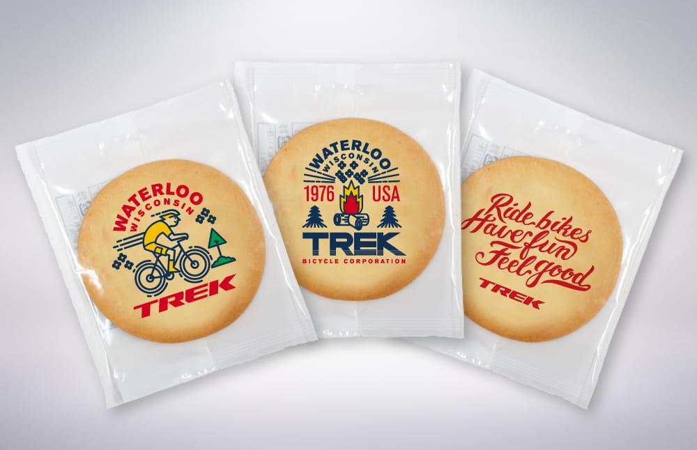 TREKロゴがプリントされたクッキー ※写真はイメージ