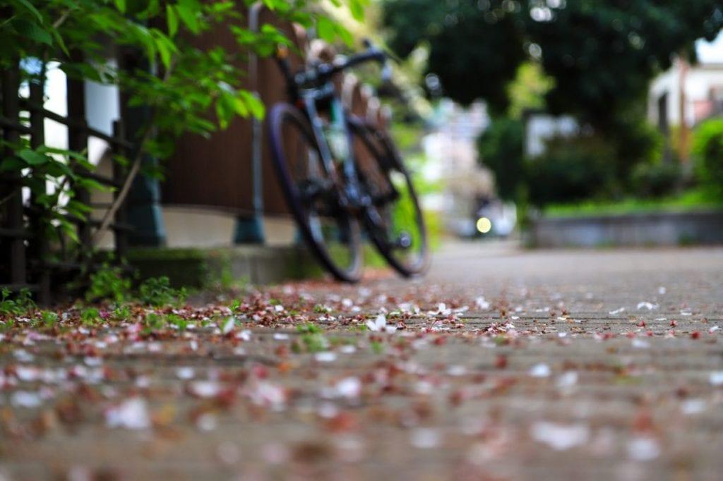 通勤に最適なルートを探すのも楽しみの一つ。いつもと違う道を走ってみるだけで新しい発見があるかも!毎日の生活に変化を与えると言う意味でも、自転車通勤は良い刺激になると感じます。