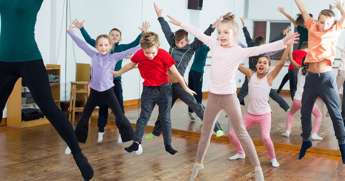 小学校低学年の表現リズム遊び2