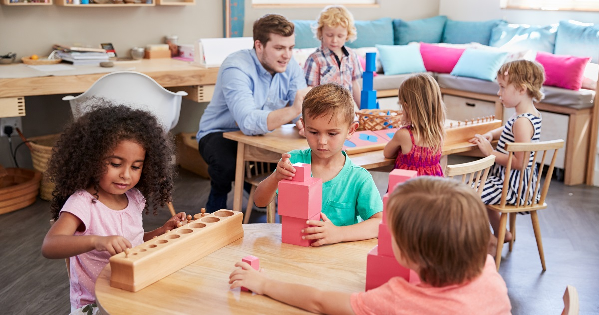 藤井聡太六段、Amazon共同創立者ジェフ・ベゾスが幼児期に受けていた「モンテッソーリ教育」とは?