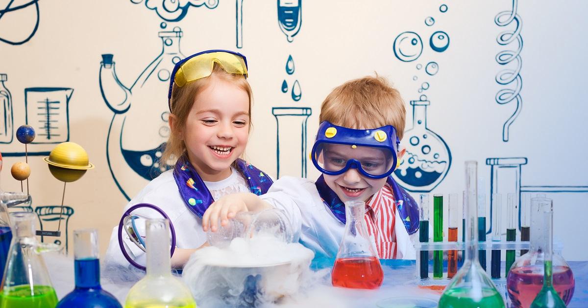 「科学好き」な子どもには、好奇心と我慢強さが身につく。子どもが理科・科学に親しむメリットと方法