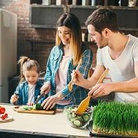 集中力や思考力も高まるメリットだらけの「親子料理」アイキャッチ