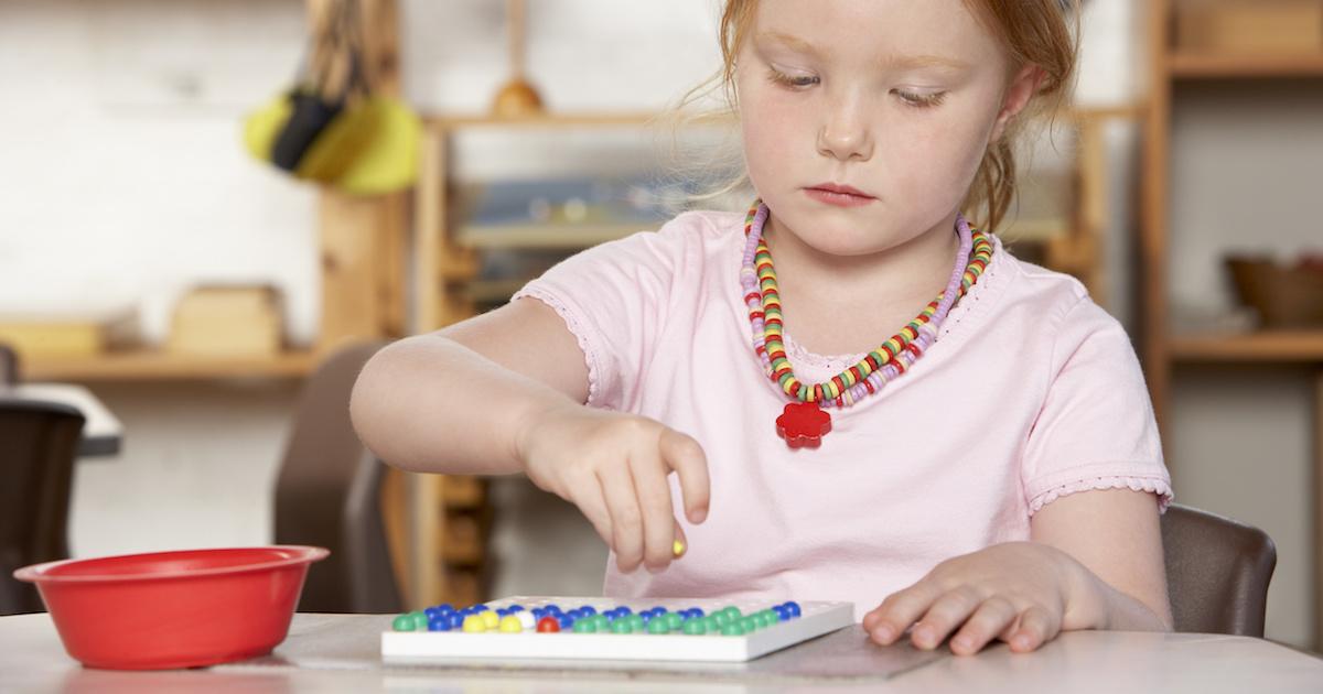 切る、むく、分ける……縫う!? 家庭でできるモンテッソーリ教育