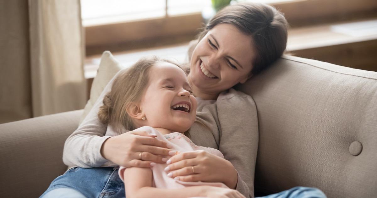 子どもの自己肯定感を下げる「〇〇な親」。親の声かけで子どもは変わる!