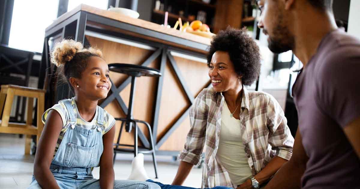 小学生の読解力を向上させる方法2:子どもへの語りかけを増やす