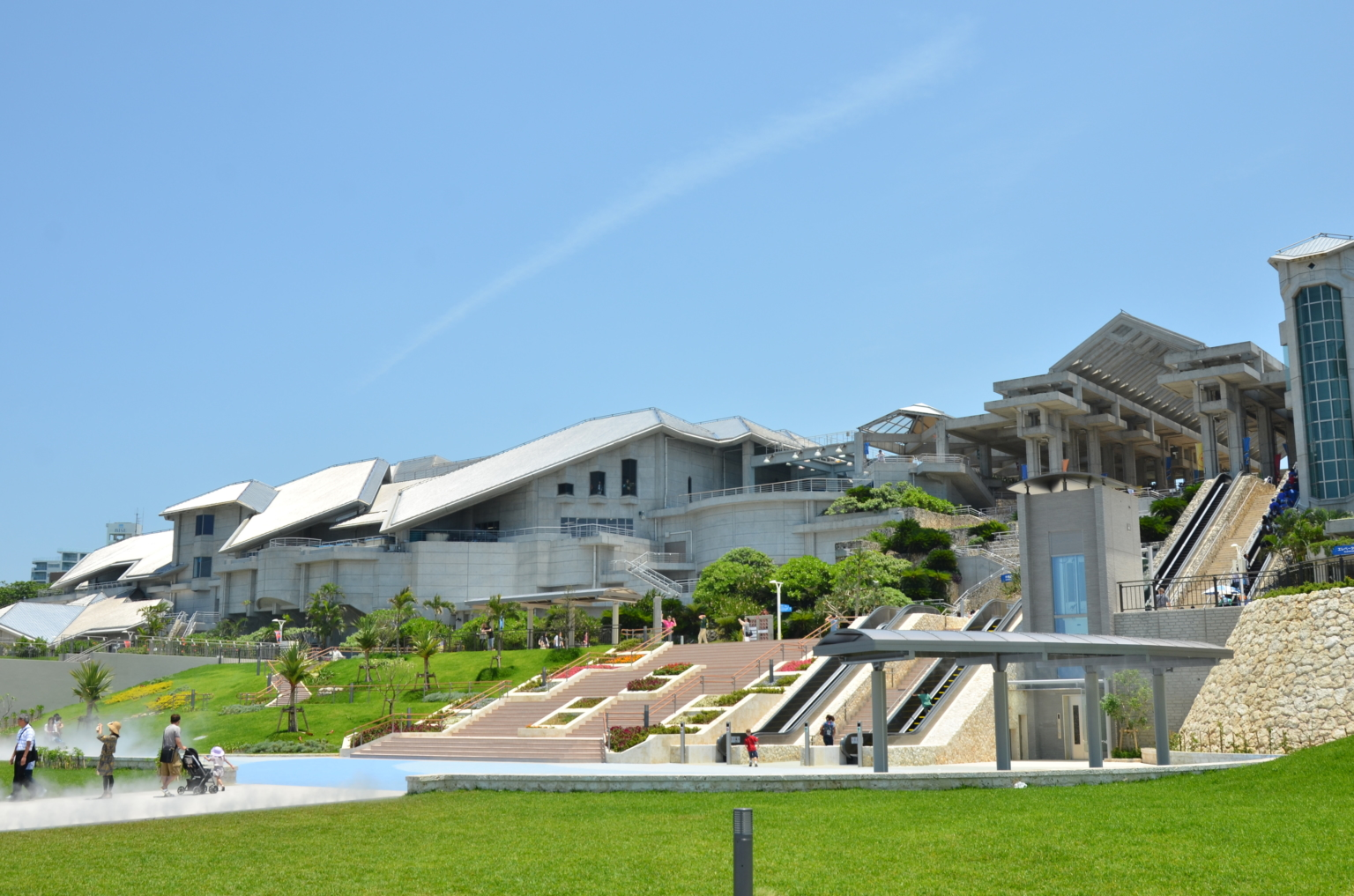 沖縄美ら海水族館全景