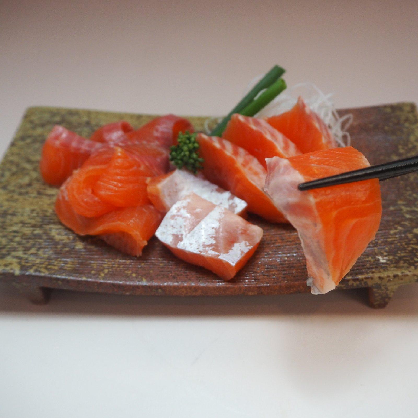 [訳あり]マス刺身用フィレー(サイズ規格外)3kg(8枚) 3kg(8枚) 魚介類/鮭通販