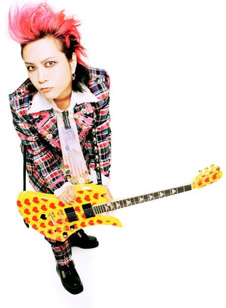 hide(X JAPAN/hide with Spread Beaver/zilch) (C)HEADWAX ORGANIZATION CO ., LTD. / photo by HIDEO CANNO(CAPS)