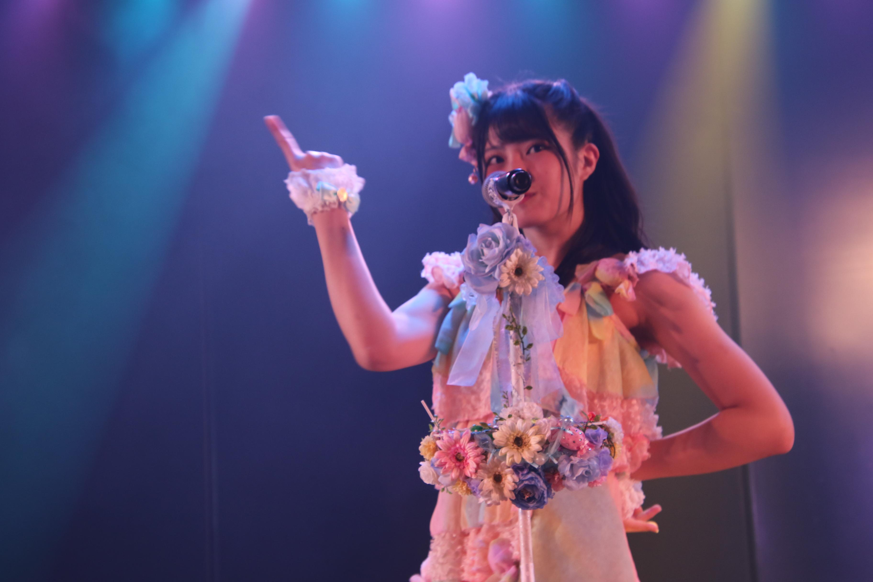 「その雫は、未来へと繋がる虹になる。」公演ゲネで「キャンディー」を披露する行天優莉奈