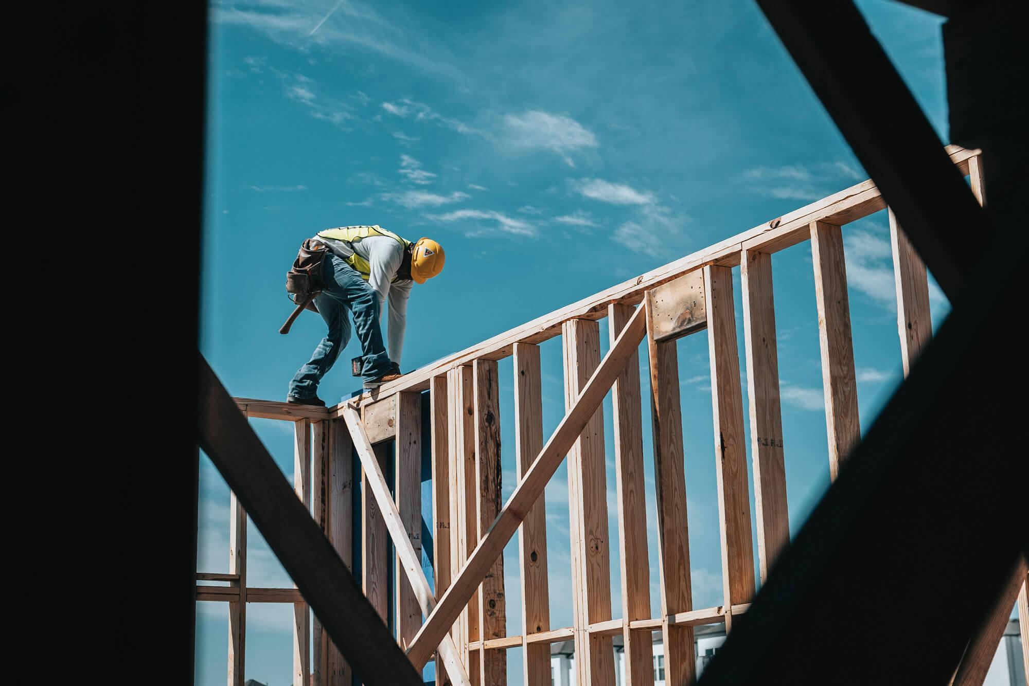 建設業で若者離れが止まらない理由とは?解決策を解説