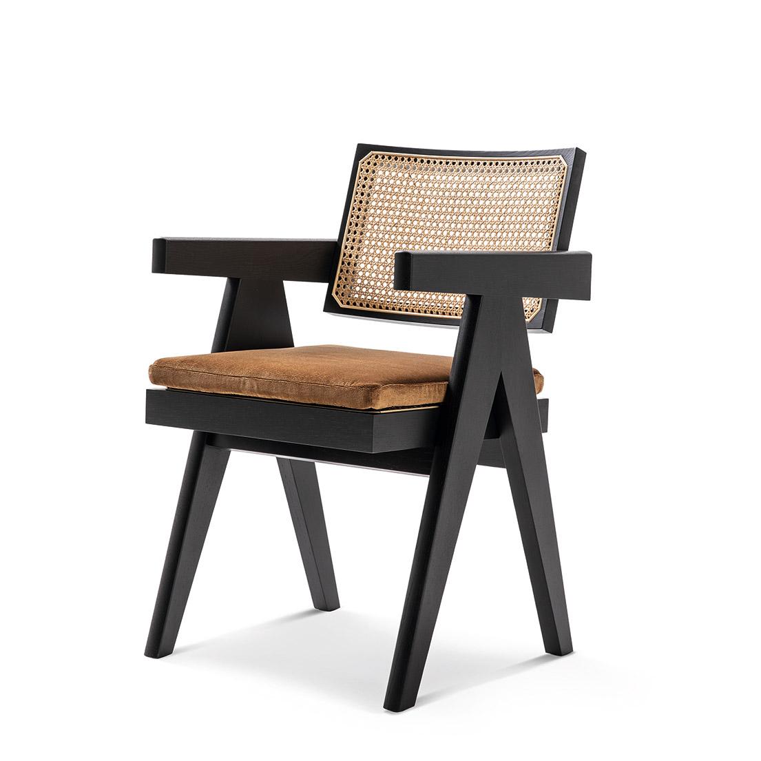 名作椅子検定】いくつ知ってる? 名作椅子の物語。 | カーサ ...