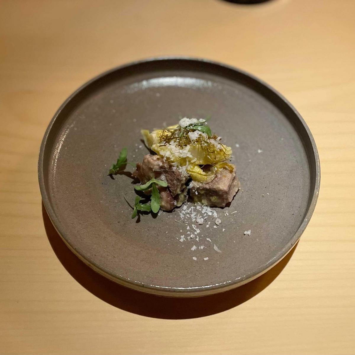 西麻布で味わう福岡の一流、小料理バー「酉卯」