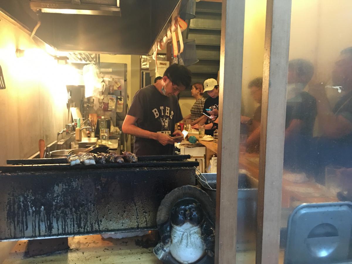 今年の土用・二の丑はムサコの人気やきとん店「豚星」の新業態、うなぎ串の「梅星」へ。