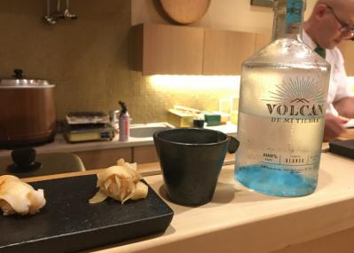 鮨にはテキーラが新常識⁉ 清涼感で味覚をリセットする上、糖質は限りなくゼロ。