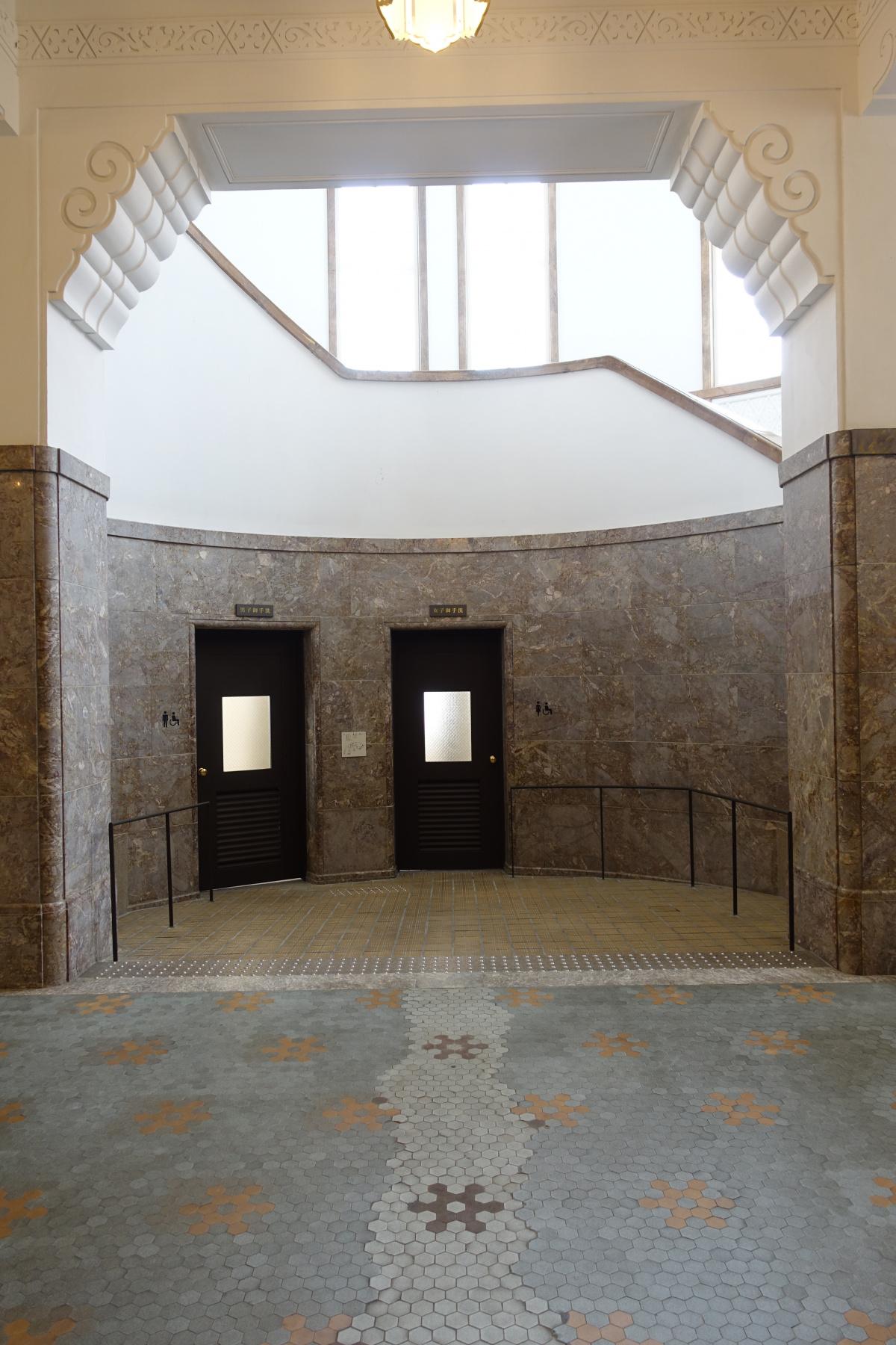 京都市京セラ美術館がリニューアルオープン! 「ガラス・リボン」を纏った建築にも注目を。