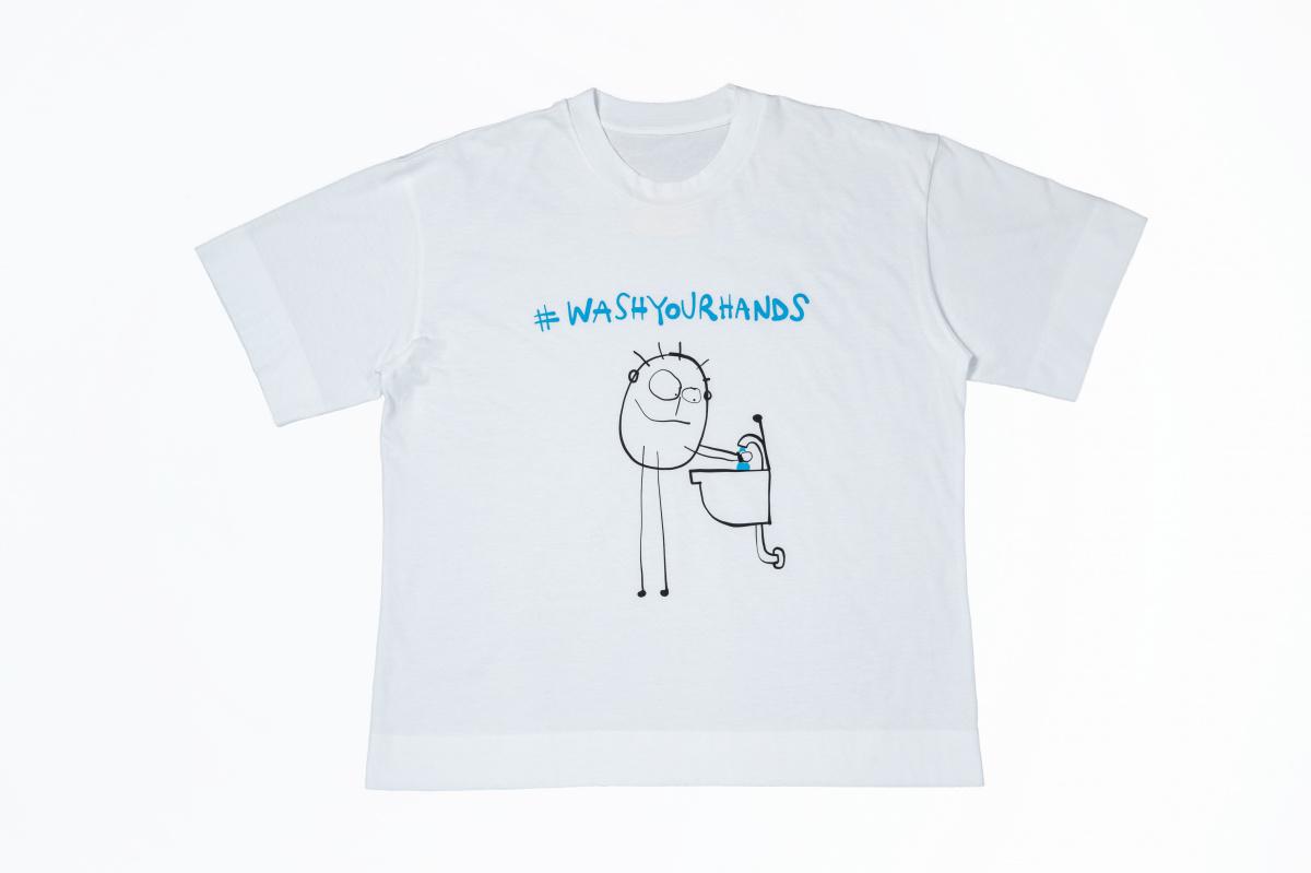 おもわずニコッと!  イタリア人母親デザイナーのチャリティTシャツがいい趣味してます。