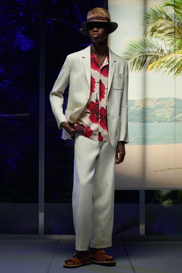 リラックス&ナチュラルな、 スーツスタイル