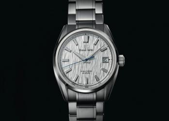 雫石から世界へ届ける、最上の機械式腕時計。