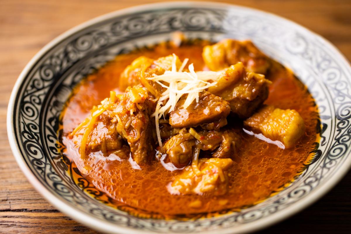 目黒の「みもっと」で、優しいタイ料理の世界を満喫。
