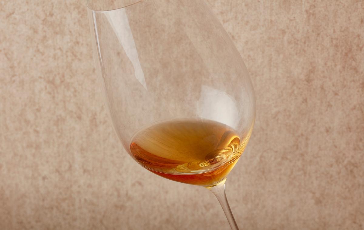 最も味と香りを引き出すのは「ワイングラス」