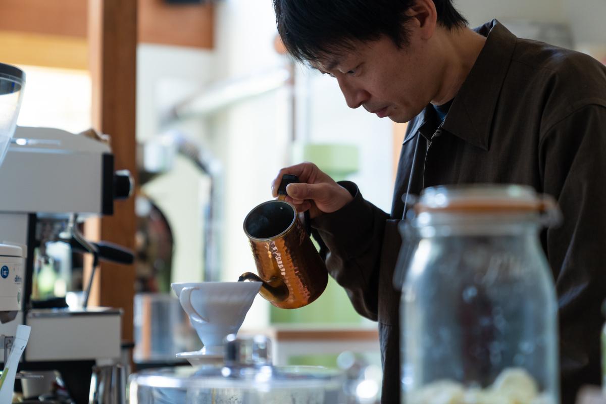 【アイオライト コーヒーロースターズ】優しい味わいのフルーティなスペシャルティコーヒー