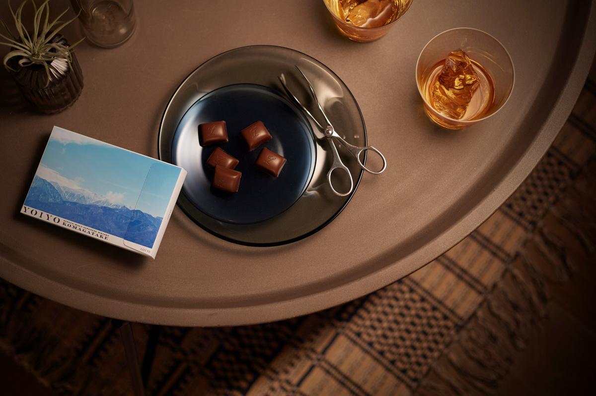 ジャパニーズウイスキーを味わうチョコレート「YOIYO <KOMAGATAKE>」。開発に秘められた想いに迫る。