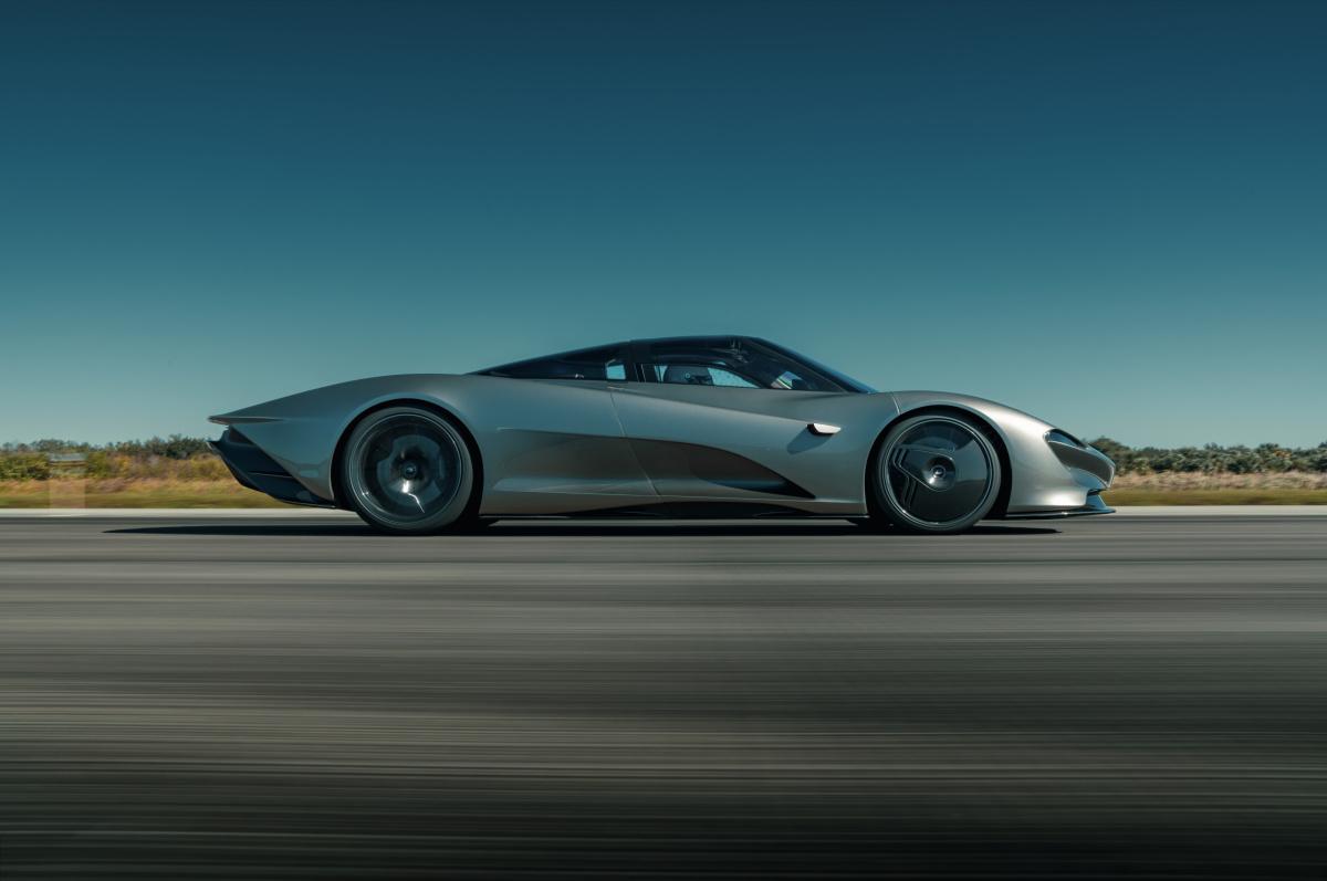 最高時速403km! 圧巻の美しさとパフォーマンスを実現した究極のマシン、「マクラーレン・スピードテール」が日本上陸。