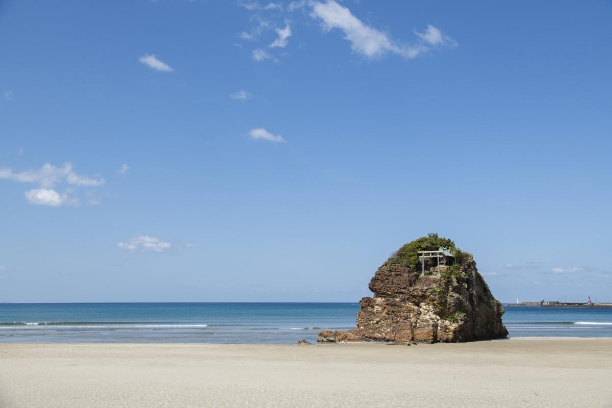 八百万の神々が集う「稲佐の浜」