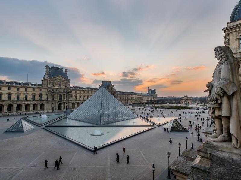 映画『ルーブル美術館の夜 ダ・ヴィンチ没後500年展』と尽きせぬ魅力をもつレオナルドを巡る、ふたりの美術史家の対話。
