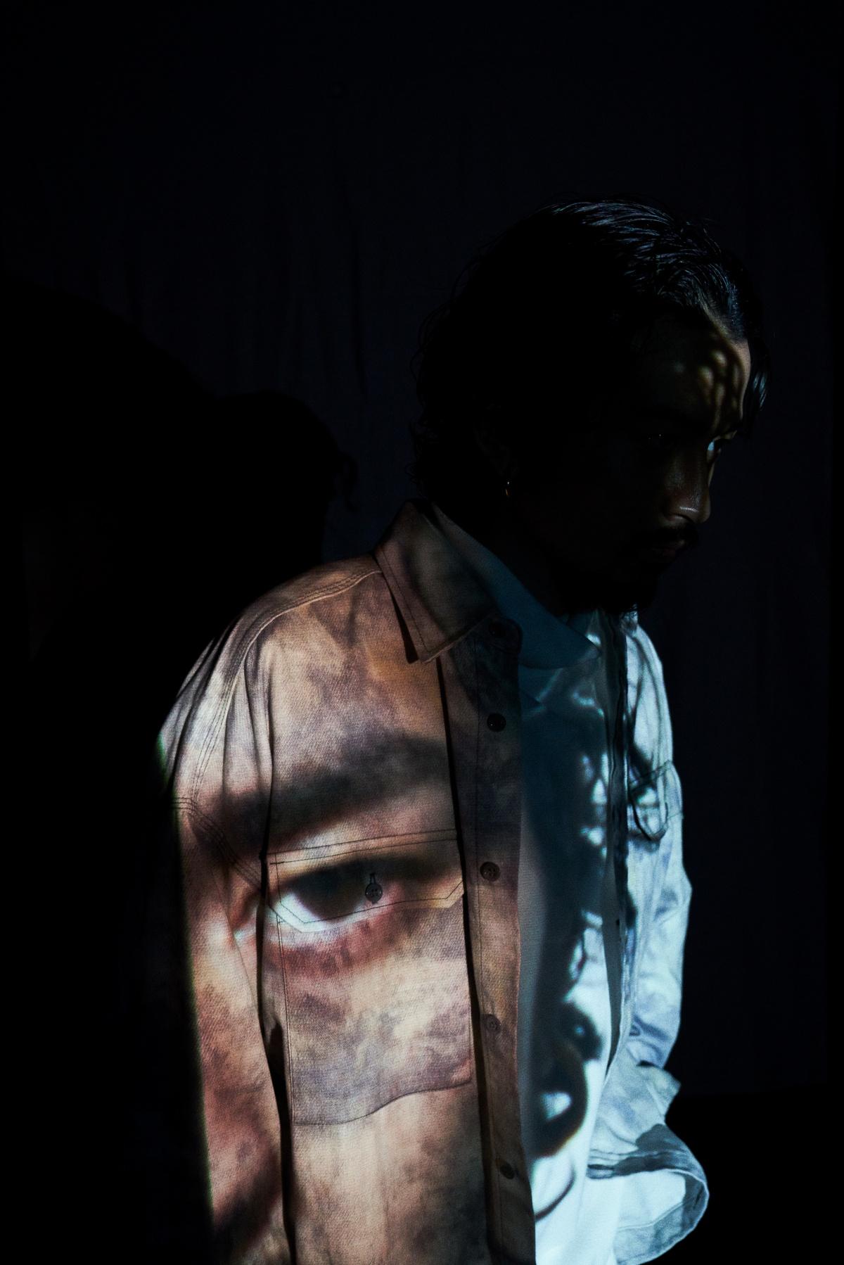 音楽家・常田大希がPenの撮影をディレクション。本誌未掲載の独創的な写真を見逃すな。