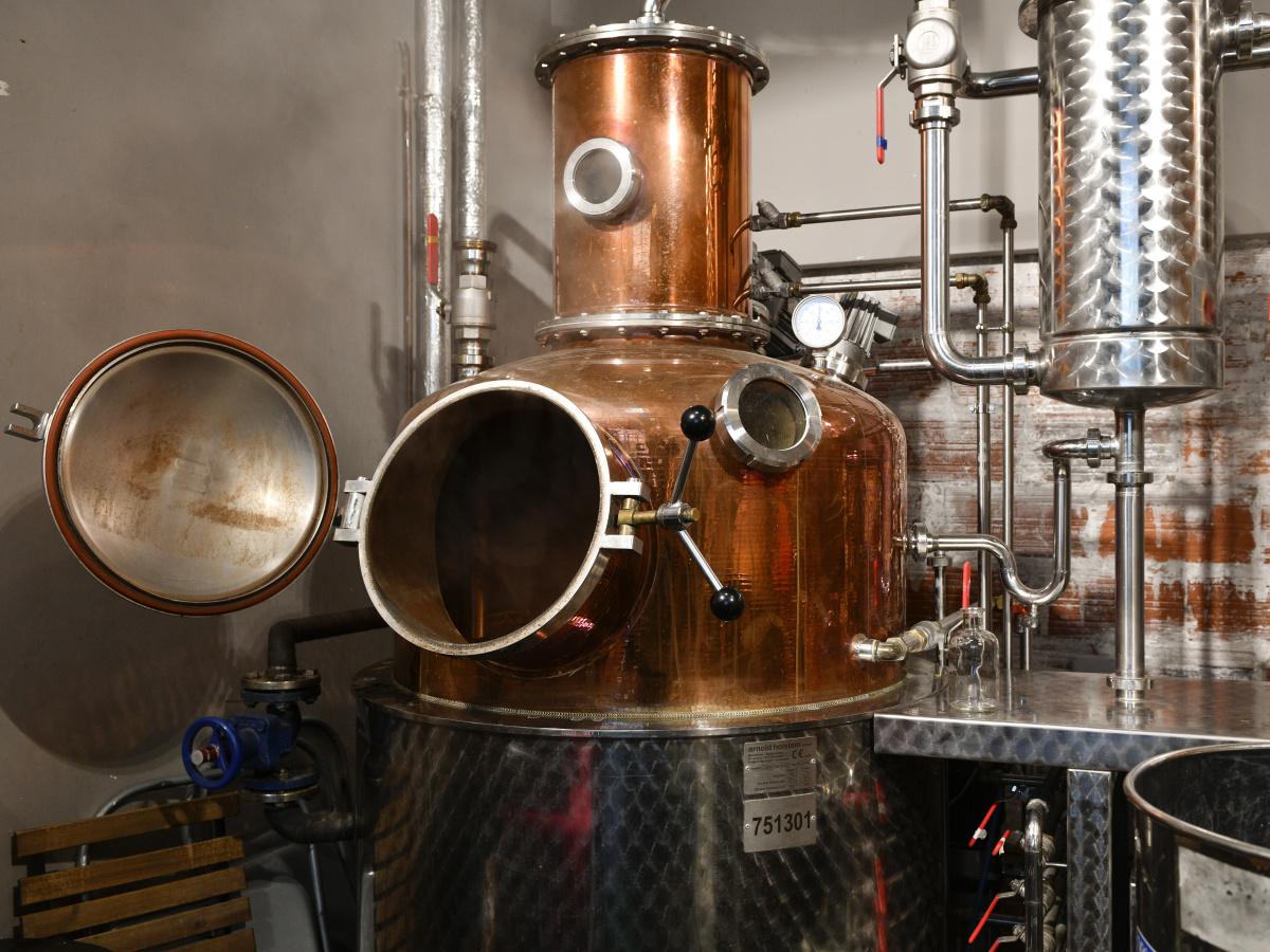 パリで唯一の蒸留所は、実験的なクリエイションが持ち味。|ディスティユリ・ドゥ・パリ