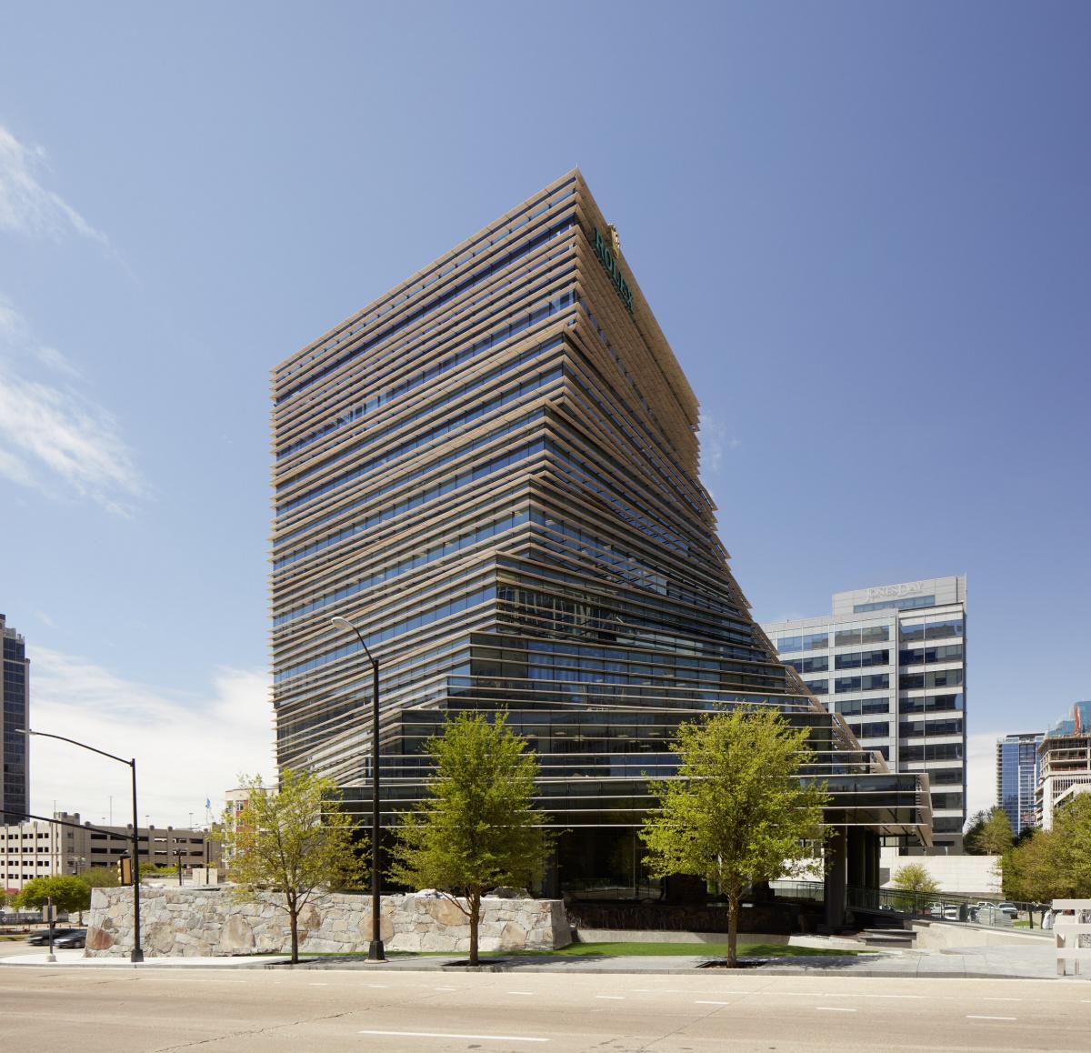 自社建築などを通して結ばれる、著名建築家との絆。