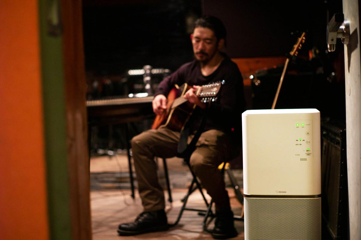音が生まれる空間で、静かに佇む空気清浄機/TOSHI-LOWさん・ミュージシャン