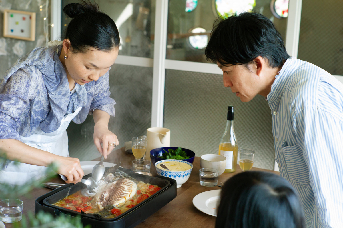 家族で囲むホットプレートは、おいしくて楽しくて/江口宏志さん・蒸留家