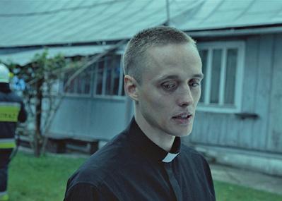 善と悪の狭間で赦しについて問いかける、映画『聖なる犯罪者』。