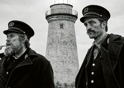 孤島の灯台でスリリングに描かれる、ふたりの男の狂気と幻想の深淵『ライトハウス』